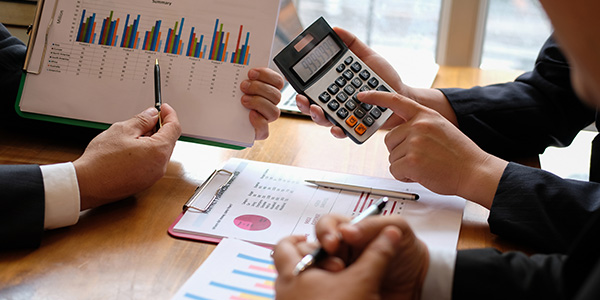 خدمات التقارير المرتبطة بتعديل راس المال